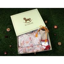 BLANCHE SELECT 夏季必備純棉禮盒組(內含日式小花圖騰套裝、EVELYN 手工雙面用圍兜兜、芭蕾舞伶襪子)
